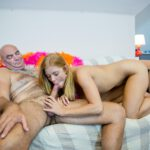 Chrissy Fox geeft een blowjob