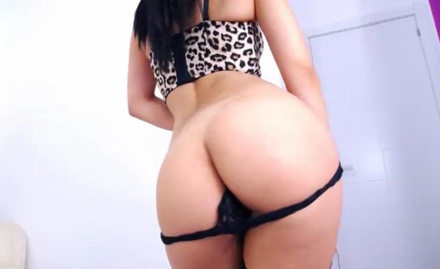 Slanke Italiaanse geeft live seks