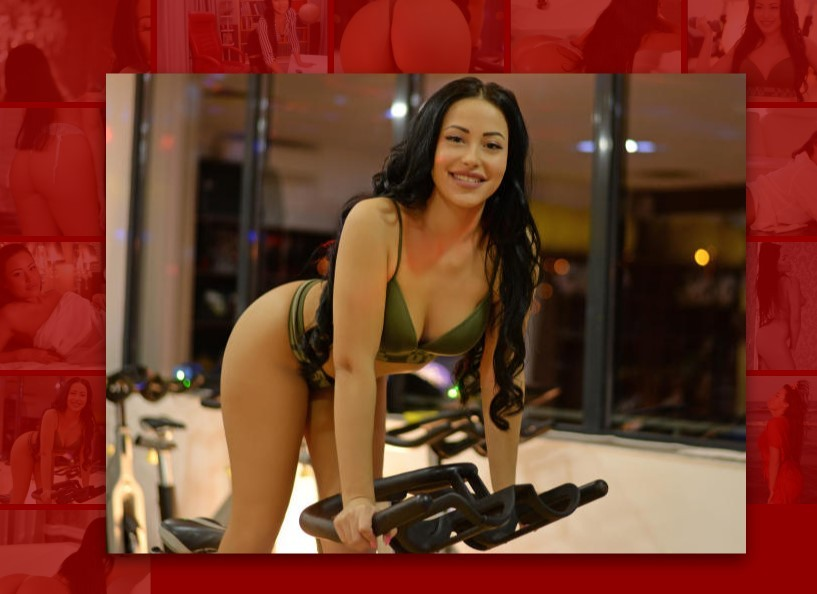 Renatte Xlovecam sportclub