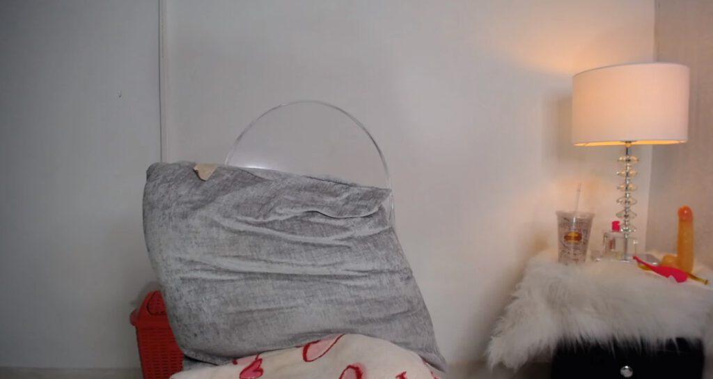 Een onzichtbare vrouw voor de webcam