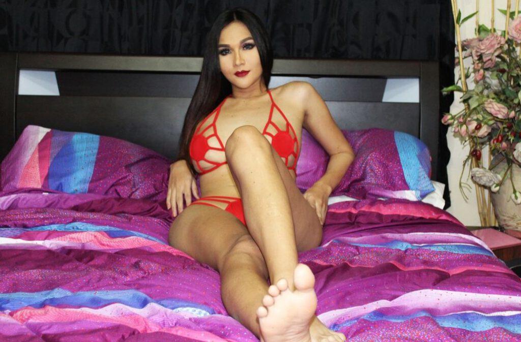 Transvrouw Leah met haar lange benen