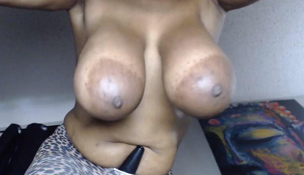Milf Michelle met grote hangende borsten